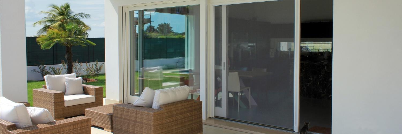 Moustiquaires pour fenêtres et portes