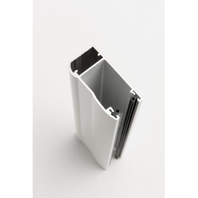 Coulisses et lame finale en aluminium extrudé, très résistantes aux tentives d'arrachement